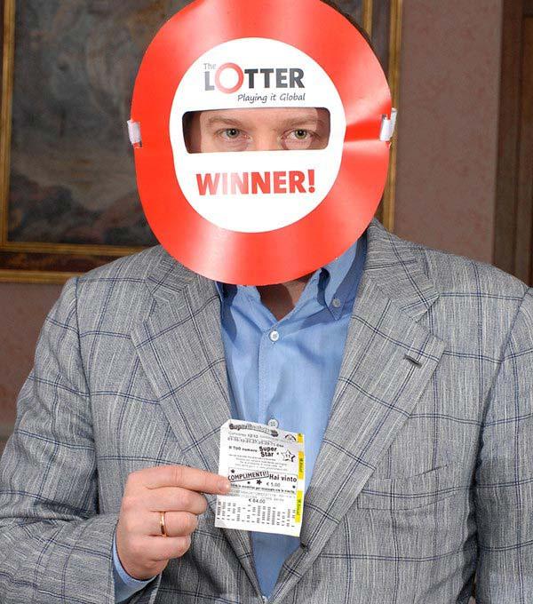 Jugador letón gana premio de SuperEnalotto